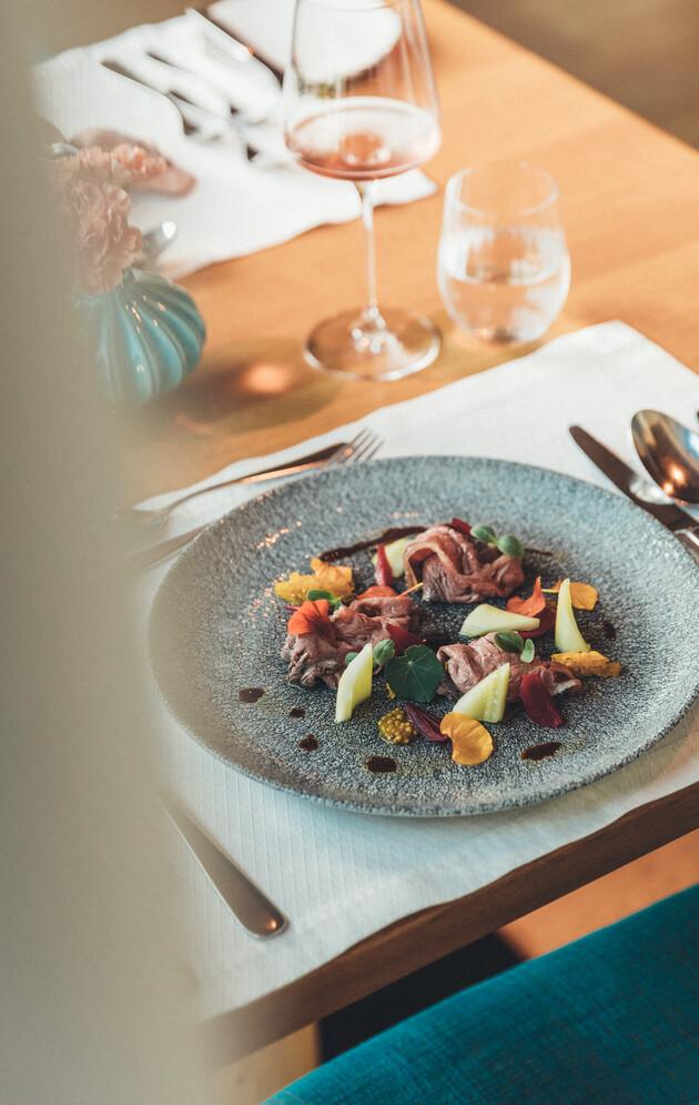 Kulinarische Köstlichkeiten aus der Küche und dem Weinkeller im Hotel Nesslerhof in Großarl.