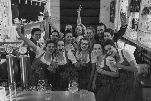 Mitarbeiter-Fest zur Neueröffnung des Hotel Nesslerhof