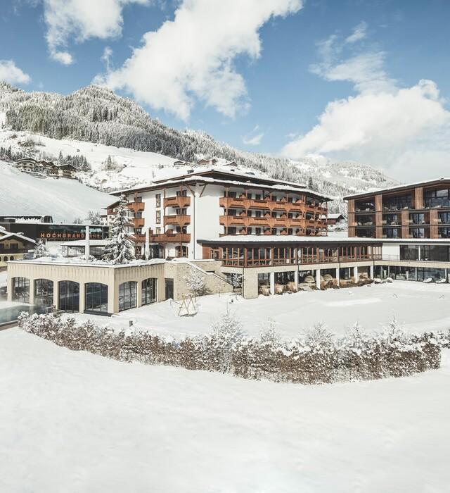 4*S Wellnesshotel Nesslerhof in Großarl im Winter, direkt an der Skipiste.