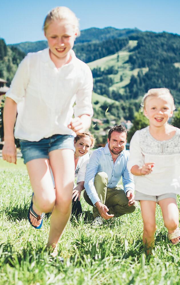 Die Kinder der Familie Neudegger aus dem Hotel Nesslerhof