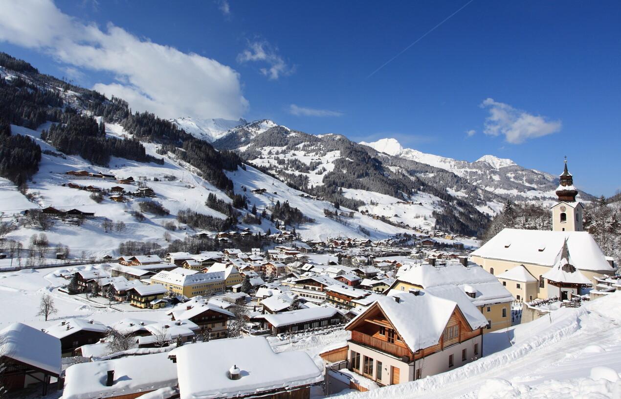 Blick über Großarl: Winterurlaub im Großarltal