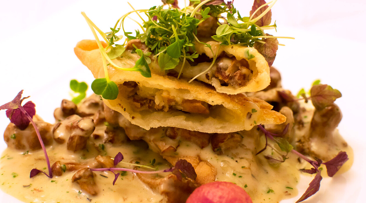 Eierschwammerl-Erdäpfel-Tascherl (Kartoffeltaschen mit Pfifferlingen)