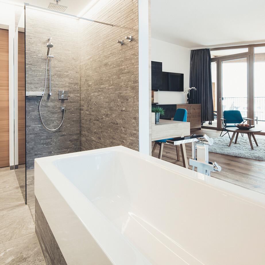 Suite Liebelei mit offenem Badezimmer